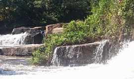 Rio Negro - Rio Negro-MS-Cachoeira no Balneário da Neide-Foto:Jynielly Prates Barbosa-Facebook