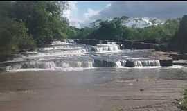 Rio Negro - Rio Negro-MS-Cascata no Balneário da Neide-Foto:Katiuscia Cruz-Facebook