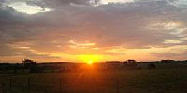 Vila Rica - MS - Por do sol em vila são josé por Genilson Luna