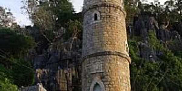 Torre na entrada da Gruta de Bom Jesus da Lapa-BA-Foto:Dimas Justo