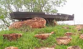 Alcantilado - Alcantilado-MT-Barco no Trevo de acesso-Foto:clesiovar sousa pereira