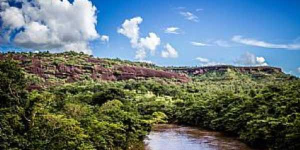Alcantilado-MT-Rio Garças-Foto:Rodolfo Roca
