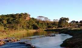 Batovi - Batovi-MT-Córrego Batovi-Foto:Rogério Salles