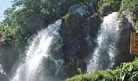 Chapada dos Guimar�es - Cachoeira no Rio da Casca na Chapada dos Guimar�es -MT-Foto:elizeualmeidafesa
