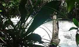 Chapada dos Guimar�es - Rio Casca na Chapada dos Guimaraes-MT-Foto:toninho tukaya