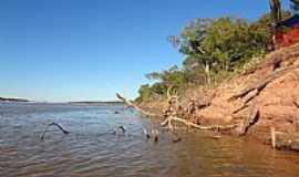 Cocalinho - Cocalinho-MT-Erosão fluvial no Rio Araguaia-Foto:Pe. Edinisio Pereira…