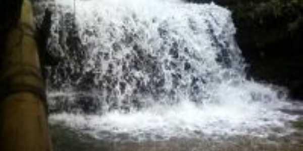 Cachoeira TOCA DA ON�A (fazenda \Mangaba 48 km de confresa), Por Valdson Tome