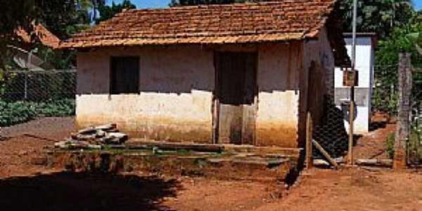 Entre Rios-MT-Casa em área rural-Foto:Leandro Luciano