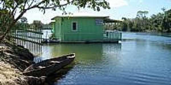 casa flutuante  Por Valdinei R. Pinheiro