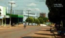 Guarantã do Norte - Rua dos Cajueiros = ao fundo Edifício em construção, Por João Neto