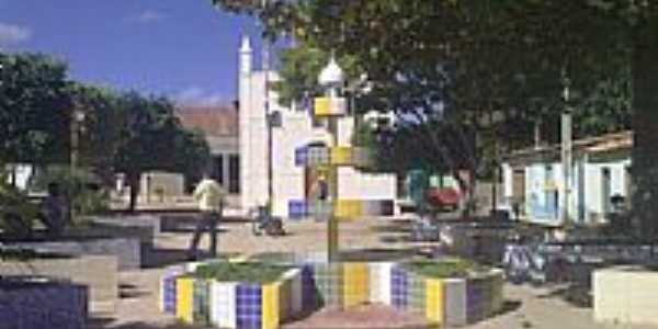 Praça e Igreja de Luiza de Brito-BA-Foto:liberdade-bom.