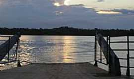 Juruena - Balsa sobre o Rio Juruena por Laercio Moraes
