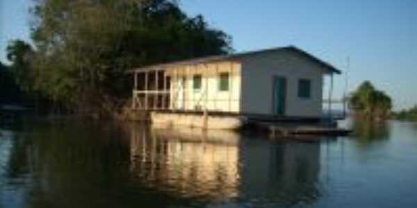Casa Flutuante No Rio Juruena, Otima para pescar diárias e translado por preços convidativos., Por JRN Imobiliaria