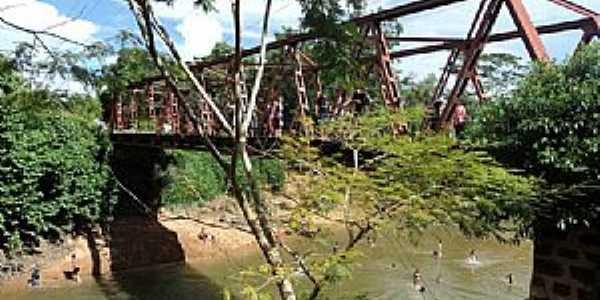 Nossa Senhora da Guia-MT-Vista da ponte e rio-Foto:www.facebook.com