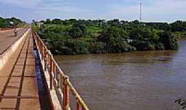Nova Xavantina - Ponte sobre o Rio das Mortes-Foto:kleiber