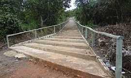 Nova Xavantina - Nova Xavantina-MT-Escadaria que dá acesso à Capela do Sagrado Coração de Jesus e Maria no Morro do Cruzeiro-Foto:Edinisio Gonçalves Pereira Vieira