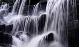 Novo Mundo - Cachoeira-Foto:Renato Fernandes de …