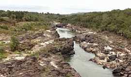 Ponte Branca - Ponte Branca-MT-Trecho do Rio Araguaia com muitas pedras-Foto:Rafael José Rorato