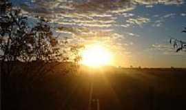 Ponte de Pedra - Pôr do Sol em Ponte de Pedra-Foto:Tchelopdp
