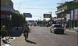 Pontes e Lacerda - Avenida central-Foto:N�lio Oliveira 2