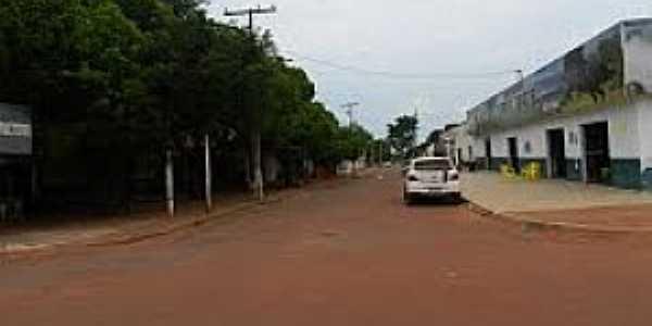 Pontin�polis-MT-Centro da Vila-Foto:aroundguides.com