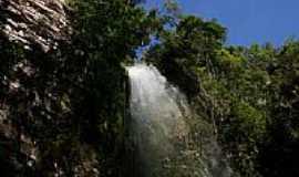 Reserva do Caba�al - Cachoeira Chuva de Prata foto por M.Negretti