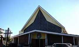 Rondon�polis - Igreja Matriz Sagrado Cora��o de Jesus foto Vicente A. Queiroz