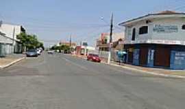 Rondon�polis - Rua Ponce de Arruda em Rondon�polis-Foto:Ubaldo Gomes