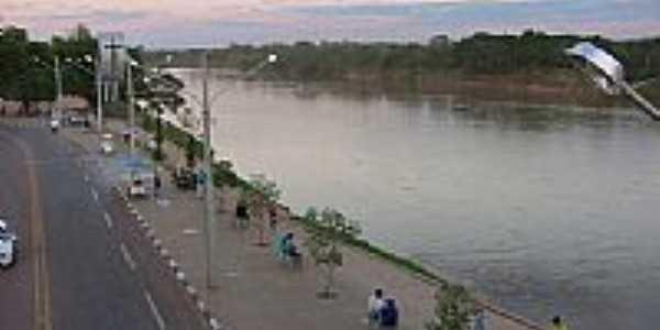 Cais de Rondon�polis-Foto:Leandro A lluciano