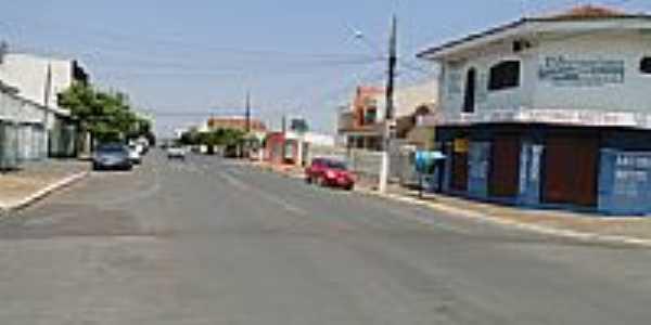 Rua Ponce de Arruda em Rondon�polis-Foto:Ubaldo Gomes