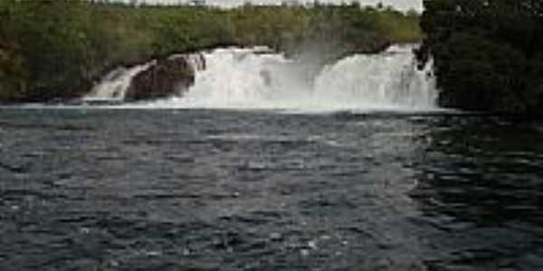 Cachoeira no Rio Guaporé em Vale de São Domingos-MT-Foto:elizeualmeidafesa
