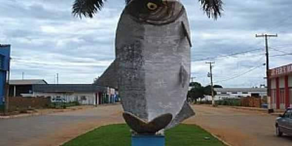São José do Rio Claro-MT-Monumento ao peixe Matrinxã,comum na região-Foto:Manoel Francisco dos Santo