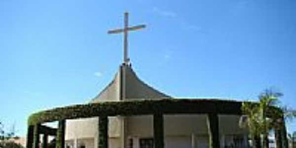 Igreja Matriz de N.S. de F�tima foto Vicente A. Queiroz