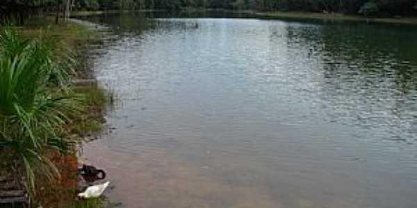 Sinop-Mt-Lago no Parque Florestal-Foto:dalcio e marilda beregula
