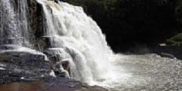 Cachoeira no Rio São Domingos em Torixoréu-MT-Foto:elizeualmeidafesa