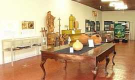 Vila Bela da Santíssima Trindade - Imagens da cidade de Vila Bela da Santíssima Trindade - MT - Museu Arqueológico