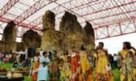 Vila Bela da Santíssima Trindade - Apresentação da dança do chorado na Ruína(Igreja construida pelos escravos, Por Elba C. Passini
