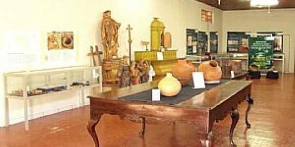 Imagens da cidade de Vila Bela da Santíssima Trindade - MT - Museu Arqueológico