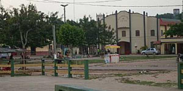 Acará-PA-Praça e Igreja da Assembléia de Deus-Foto:joelsvaz