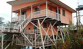 Afuá - Afuá-PA-Interessante casa de palafita-Foto:Jonas Vasconcelos