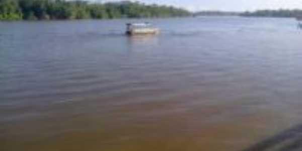 Barco no rio mucuru�a, Por Daniel