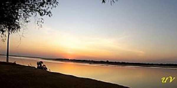 Barreira dos Campos-PA-Pôr do Sol no Rio Araguaia-Foto:www.universodosviajantes.com