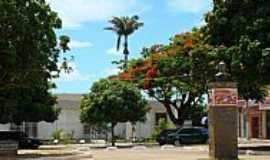 Caculé - Caculé-BA-Prédio do Fórum antes da reforma da praça-Foto:Sinésio Prates Filho