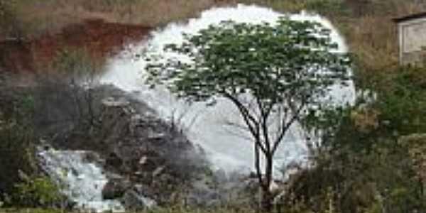 Caculé-BA-Sangradouro da Barragem do Truvisco-Foto:Sinésio Prates Filho