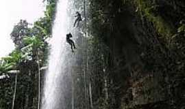 Brasil Novo - Rapel na Cachoeira Planaltina em Brasil Novo-Foto:nacaoturismo.com.br