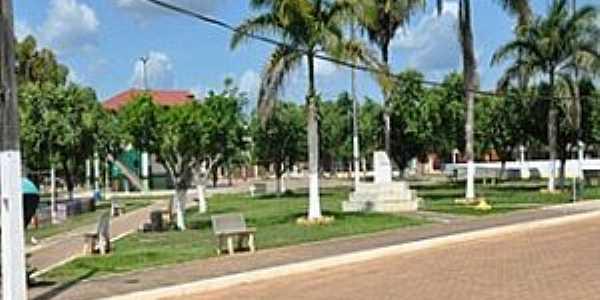 Brasil Novo-PA-Praça central-Foto:www.brasilnovo.pa.