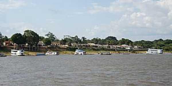 Brasília Legal-PA-Barcos na orla do Rio Tapajós-Foto:Fabio de Novaes Filho