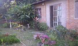 Caeté-Açu - acácia lilás casa de Angela por Motta