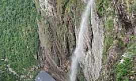 Caeté-Açu - Cachoeira da Fumaça por danielschnitzer