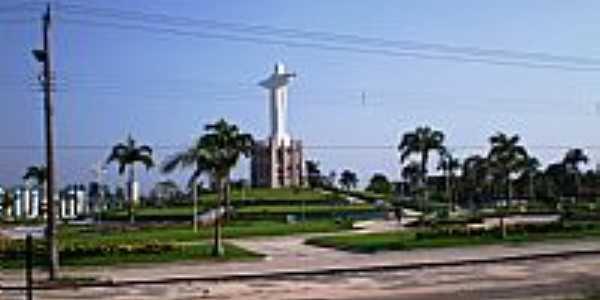 Pra�a do Cristo Redentor em Castanhal-PA-Foto:Odilson S�